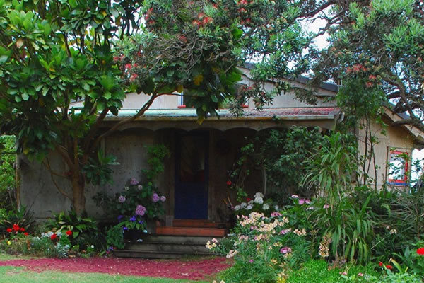Te Koinga Cottage | Bethells Beach Accommodation